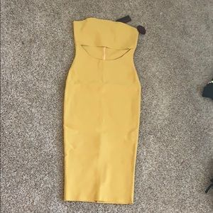 Midi dress with cutout at midriff